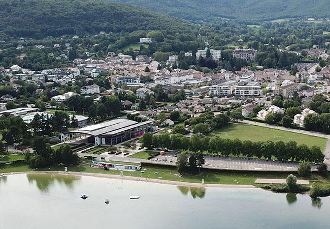 Vue aérienne sur une ville française